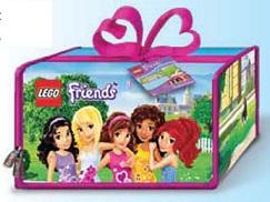 Игрушка-коврик Lego FriendsА1650ХX КоврикИгрушка-коврик Lego Friends создан специально для прекрасных девочек, которым важна каждая деталь. А деталей здесь очень много, и можно придумать множество сюжетов игры! Чемоданчик легко трансформируется в иллюстративный мягкий коврик - можно играть всегда и везде, используя кубики Лего и другие игрушки (в набор не входят).