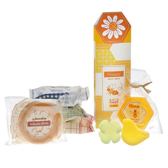 Master Soap Подарочный набор мыл Спокойная жизнь: 3х70 г, 1х60 г, 3х20 г108094Подарочный набор мыл Master Soap Спокойная жизнь прекрасно очищает. Мыльная основа содержит только натуральные растительные компоненты. За счет входящих в состав увлажняющих компонентов (пальмовое масло, глицерин, сквалан) предотвращает шелушение и сухость, великолепно смягчает кожу, делает ее гладкой и здоровой. Обладает приятными ароматами. Набор состоит из мыл - Соевые бобы, Зеленый чай, Олива, Пчелиные соты и из пудры для ванны с медом.
