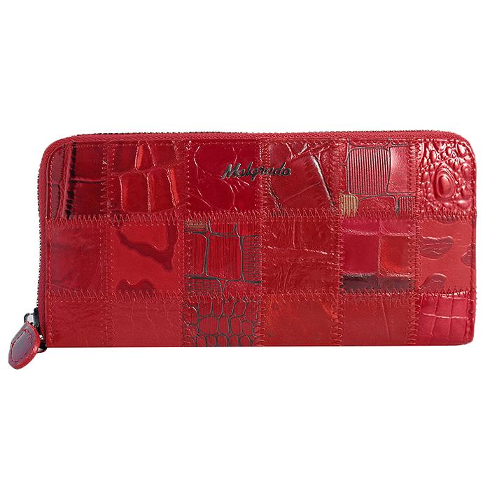 Кошелек женский Malgrado, цвет: красный. 73005-44473005-444A Red Клатч MalgradoСтильный клатч Malgrado изготовлен из натуральной кожи красного цвета с декоративным тиснением и закрывается на молнию. Внутри расположены четыре основных отделения, одно из которых на молнии, по четыре кармашка на боковых стенках для карточек, визиток, кредиток и два кармашка побольше, в которые можно положить пропуск, проездной билет или фотографию. В комплект так же входит кожаный ремешок для удобной переноски. Клатч упакован в металлическую коробку с логотипом фирмы.