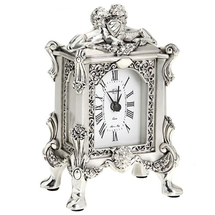 Часы настольные Linea Argenti, цвет: серебристый. 665837665837Изысканные настольные часы Linea Argenti с кварцевым механизмом выполнены из высокопрочной смолы с покрытием серебром высшей пробы в стиле эпохи Ренессанс. Циферблат оформлен римскими цифрами и имеет три стрелки - часовую, минутную и секундную. Часы - это не только функциональное устройство, но и оригинальный элемент декора, который впишется в любой интерьер. Благодаря стильному дизайну, качеству исполнения и практичности часы смогут стать великолепным подарком, который подчеркнет утонченный вкус своего обладателя.