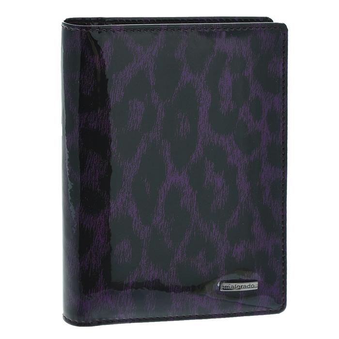 Обложка для паспорта Malgrado, цвет: фиолетовый. 54019-1-1580254019-1-15802Стильная обложка для паспорта Malgrado изготовлена из натуральной лакированной кожи фиолетового цвета с декоративным принтом. Внутри содержит прозрачное пластиковое окно, съемный прозрачный вкладыш для полного комплекта автодокументов, пять отделений для кредитных и дисконтных карт. Обложка упакована в подарочную картонную коробку с логотипом фирмы. Такая обложка станет замечательным подарком человеку, ценящему качественные и практичные вещи.
