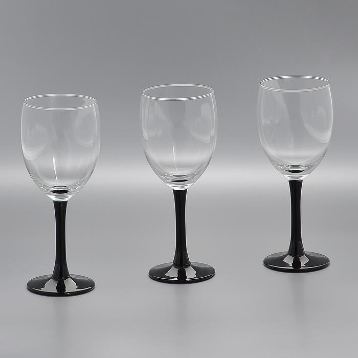 Набор бокалов Clarity Black, цвет: черный, 240 мл, 3 штГл 323733Набор Clarity Black, выполненный из высококачественного стекла, состоит из трех бокалов на высокой ножке черного цвета. Набор оценят как любители классики, так и те, кто предпочитает современный дизайн. Набор бокалов Clarity Black идеально подойдет для сервировки стола и станет отличным подарком к любому празднику. Характеристики: Материал: стекло. Цвет: черный. Комплектация: 3 шт. Объем: 240 мл. Диаметр бокала по верхнему краю: 6,5 см. Высота бокала: 17,5 см. Диаметр основания: 6 см. Производитель: Нидерланды. Артикул: Гл 323733.