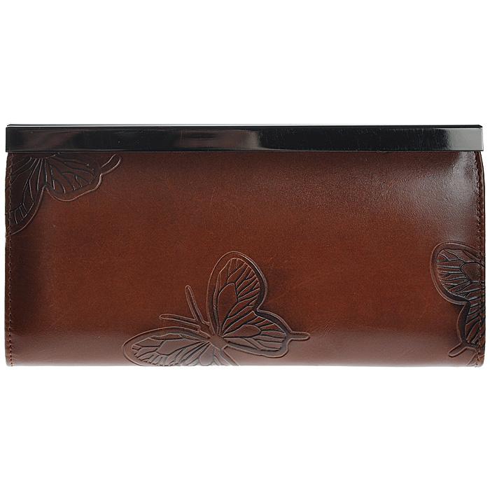 Кошелек женский Malgrado, цвет: коричневый. 73003-7002D73003-7002DСтильный кошелек Malgrado изготовлен из натуральной кожи коричневого цвета с декоративным тиснением в виде бабочек. Внутри содержит пять основных отделений, одно из которых на молнии, по три кармашка на боковых стенках для карточек, визиток или кредиток, два прозрачных кармашка для пропуска, проездного билета или фотографии. Закрывается кошелек на небольшой металлический замочек. Кошелек упакован в подарочную металлическую коробку с логотипом фирмы. Такой кошелек станет замечательным подарком человеку, ценящему качественные и практичные вещи.