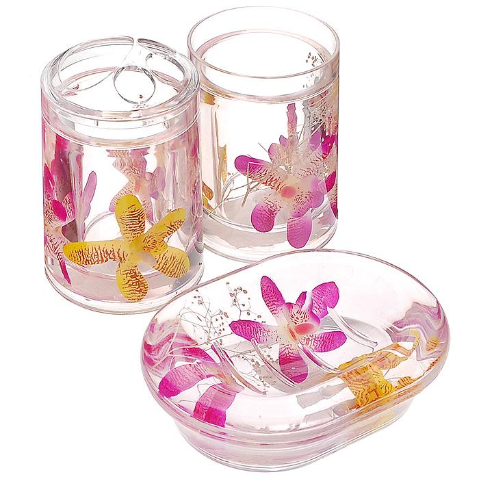 Набор гелевых аксессуаров для ванной комнаты Орхидея, 3 предмета337-00Набор аксессуаров для ванной комнаты Орхидея состоит из стакана, мыльницы и стакана для зубных щеток. Предметы набора выполнены из прозрачного пластика. Внутри - гелевый наполнитель с розовыми и желтыми цветками орхидей. Набор Орхидея создаст особую атмосферу уюта и максимального комфорта в ванной.