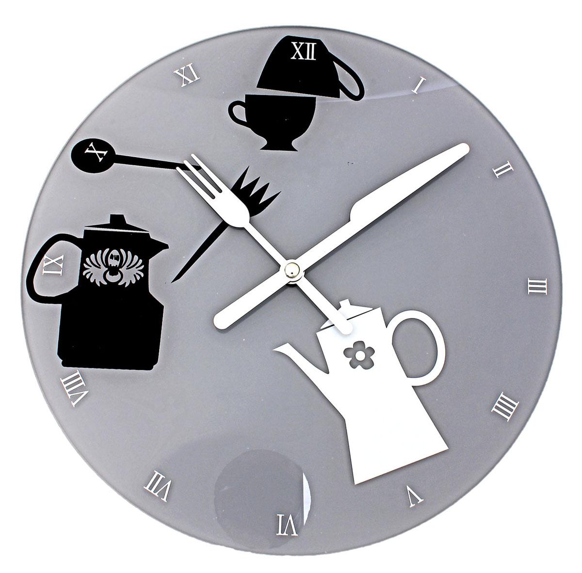 Часы настенные Sima-land, кварцевые. 670814670814Настенные кварцевые часы Sima-land - это прекрасный предмет декора, а также универсальный подарок практически по любому поводу. Корпус часов выполнен из прочного стекла. Циферблат оснащен двумя стрелками: часовой и минутной, выполненные в виде ножа и вилки. Стрелки не защищены стеклом. Римские цифры нанесены белой краской на серый фон циферблата. Так же с внутренней стороны циферблата нанесен рисунок в виде чайников и чашек. На задней стенке часов расположена пластиковое отверстие для подвешивания и блок с часовым механизмом. Часы с рамками прекрасно впишутся в любой интерьер. В зависимости оттого, что вы поместите в рамки, будет меняться и стиль часов. Характеристики: Материал: стекло, пластик, металл. Тип механизма: плавающий, бесшумный. Толщина корпуса часов: 3 см. Диаметр циферблата: 30 см. Размер упаковки: 33 см х 32 см х 4 см. Рекомендуется докупить батарейку типа АА (не входит в комплект).