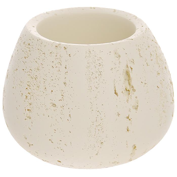 Стаканчик Stone, цвет: бежевый350-01Стаканчик Stone выполнен из полирезины, эмитирующей натуральный камень. Стакан предназначен для хранения различных ванных принадлежностей. Такой стаканчик украсит ванную комнату и создаст атмосферу уюта и комфорта в ванной комнате. Характеристики: Материал: полирезин. Цвет: бежевый. Диаметр стаканчика по верхнему краю: 7 см. Диаметр основания: 7,5 см. Высота: 8 см. Производитель: Швеция. Размер упаковки: 11,5 см х 11,5 см х 9,5 см. Артикул: 350-01.