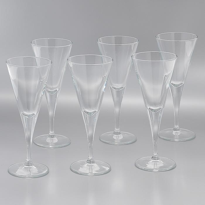 Набор фужеров для вина V-Line, 208 мл, 6 шт44325Набор V-Line, выполненный из высококачественного стекла, состоит из 6 элегантных фужеров на высокой ножке. Фужеры предназначены для подачи вина. Благодаря такому набору пить напитки будет еще вкуснее. Фужеры станут идеальным украшением праздничного стола и отличным подарком к любому празднику. Характеристики: Материал: натрий-кальций-силикатное стекло. Комплектация: 6 шт. Объем: 208 мл. Диаметр фужера по верхнему краю: 8 см. Диаметр основания: 7,5 см. Высота фужера: 20 см. Размер упаковки: 26 см х 17,5 см х 20,5 см. Артикул: 44325.