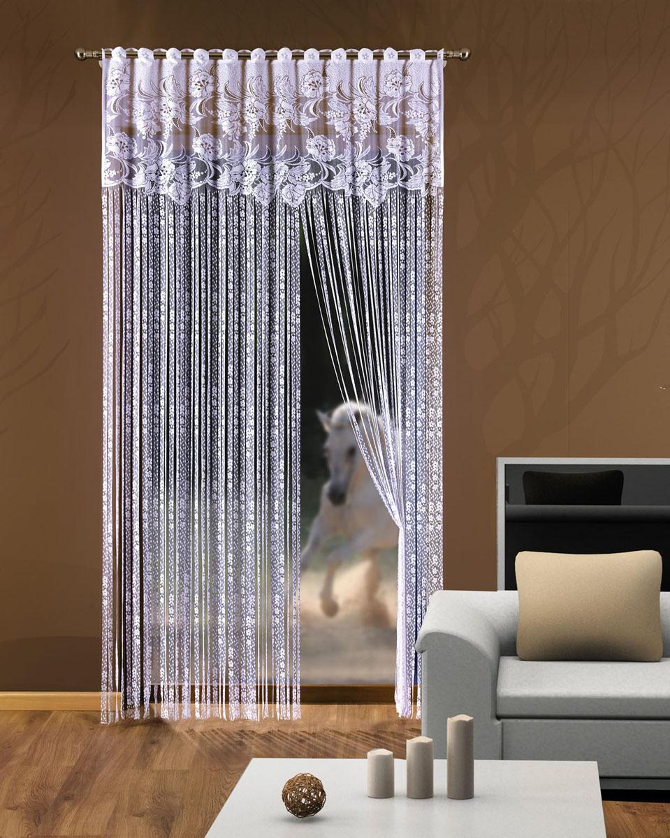 Гардина-лапша Halszka, на петлях, цвет: белый, высота 250 см728534Гардина-лапша Halszka, изготовленная из полиэстера белого цвета, станет великолепным украшением окна, дверного проема и прекрасно послужит для разграничения пространства. Гардина оформлена мелкой бахромой, а в верхней части - кружевом. Необычный дизайн и яркое оформление привлекут внимание и органично впишутся в интерьер. Гардина-лапша оснащена петлями для крепления на круглый карниз.