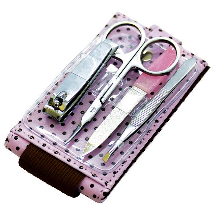QVS Набор для маникюра: пинцет, кусачки для ногтей, пилочка, ножницы для кутикулы . Пилка металлическая имеет две рабочие поверхности среднезернистую и мелкозернистую10-1387 розовыйДля получения профессионального результата вам не обойтись без нашего набора инструментов QVS для маникюра и педикюра. В состав набора входят: пинцет, кусачки для ногтей, пилочка, ножницы для кутикулы. Все предметы изготовлены из закаленной стали высочайшего качества и хранятся в компактном футляре.
