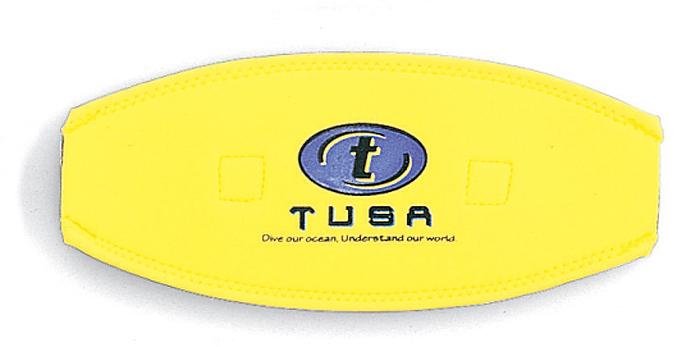 Чехол для ремня маски Tusa, цвет: желтыйTS MS-20 FYЗащитный неопреновый оголовник одевается на ремешок маски. Изготовлен из плотного неопрена. Дает доболнительный комфорт при одевании и снимании маски.