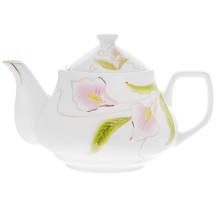 Чайник заварочный Лиловые каллы, 0,9 л508-094Заварочный чайник Лиловые каллы изготовлен из высококачественного фарфора белого цвета. Он имеет изящную форму и декорирован нежным цветочным рисунком. Чайник сочетает в себе стильный дизайн с максимальной функциональностью. Красочность оформления придется по вкусу и ценителям классики, и тем, кто предпочитает утонченность и изысканность. Чайник упакован в подарочную коробку из гофрированного красного картона с золотыми цветами. Размер чайника (без крышки) (Д х Ш х В): 20 х 14 х 10 см.