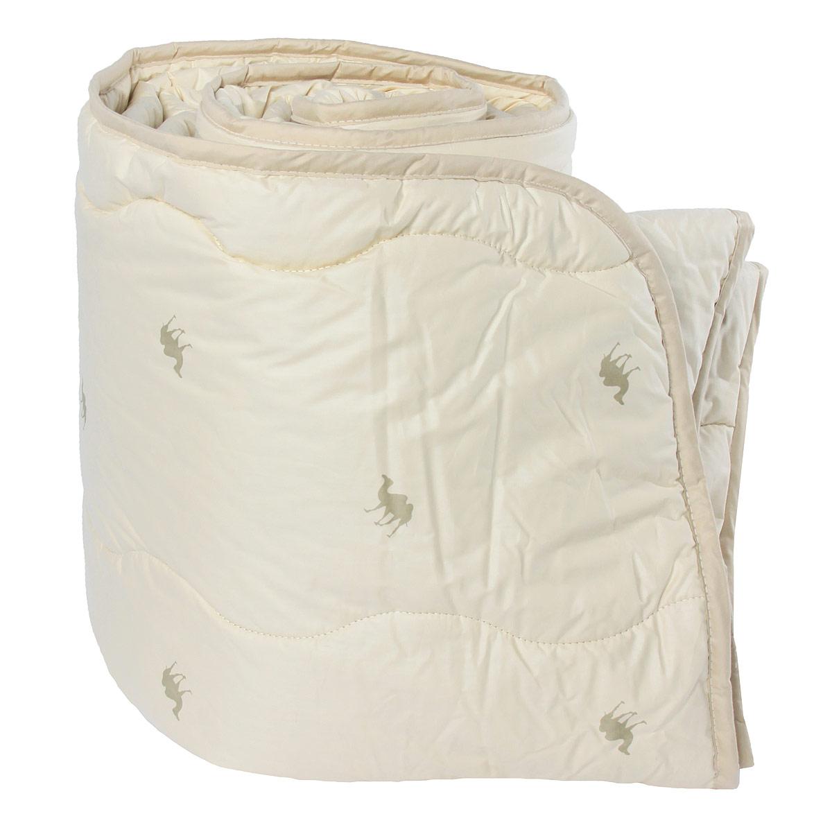 Одеяло Verossa, наполнитель: верблюжья шерсть, 200 х 220 см170584Одеяло Verossa обеспечит вам здоровый сон и комфорт. Для изготовления одеяла в качестве наполнителя используется натуральная верблюжья шерсть. Верблюжья шерсть обладает высокой гигроскопичностью, создавая эффект сухого тепла. Волокно верблюжьей шерсти полые внутри, образуют пласт, содержащий множество воздушных кармашков, которые равномерно сохраняют и распределяют тепло, обеспечивая естественную терморегуляцию в жару и холод. Верблюжья шерсть обладает рядом уникальных лечебных свойств, благодаря которым расширяются сосуды, усиливается микроциркуляция крови. Шерсть снимает статическое напряжение, благоприятно воздействует на оппорно-двигательный аппарат. Одеяло упаковано в прозрачный пластиковый чехол на змейке с ручкой, что является чрезвычайно удобным при переноске. Характеристики: Материал чехла: 100% хлопок. Наполнитель: 100% верблюжья шерсть. Масса наполнителя: 300 г/м2. Размер одеяла: 200 см х 220 см. Артикул: 170584.