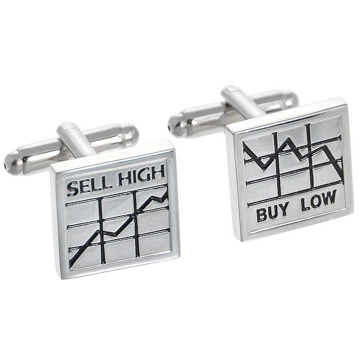Запонки Buy low - Sell high. ZAP-054ZAP-054Запонки Buy low - Sell high изготовлены из серебряного металла и выполнены в квадратной форме с надписью. Такие запонки, непременно, станут объектом внимания. Мужские запонки великолепного дизайна будут отличным подарком для каждого. Запонки - символ мужской элегантности. Они являются неотъемлемой частью вечернего туалета. Выбирайте запонки в зависимости от вашего настроения, а также впечатления, которое вы хотите произвести на окружающих. Изделие упаковано в подарочную коробку.