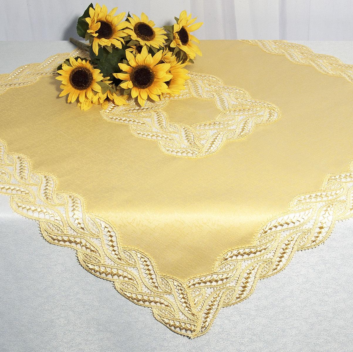 Скатерть Schaefer, квадратная, цвет: золотисто-желтый, 85 x 85 см. 30213021Квадратная скатерть Schaefer среднего размера, выполненная из полиэстера золотисто-желтого цвета, оформлена вышитым по краю и в центре кружевом, в тон скатерти, в технике - макраме. Изделия из полиэстера легко стирать: они не мнутся, не садятся и быстро сохнут, они более долговечны, чем изделия из натуральных волокон. Вы можете использовать эту скатерть самостоятельно, либо сверху основной, однотонной, большой скатерти. В любом случае она добавит в ваш дом стиля, изысканности и неповторимости. Характеристики: Материал: 100% полиэстер. Цвет: золотисто-желтый. Размер скатерти: 85 см х 85 см. Артикул: 3021. Немецкая компания Schaefer создана в 1921 году. На протяжении всего времени существования она создает уникальные коллекции домашнего текстиля для гостиных, спален, кухонь и ванных комнат. Дизайнерские идеи немецких художников компании Schaefer воплощаются в текстильных изделиях, которые сделают ваш дом красивее и уютнее и не...