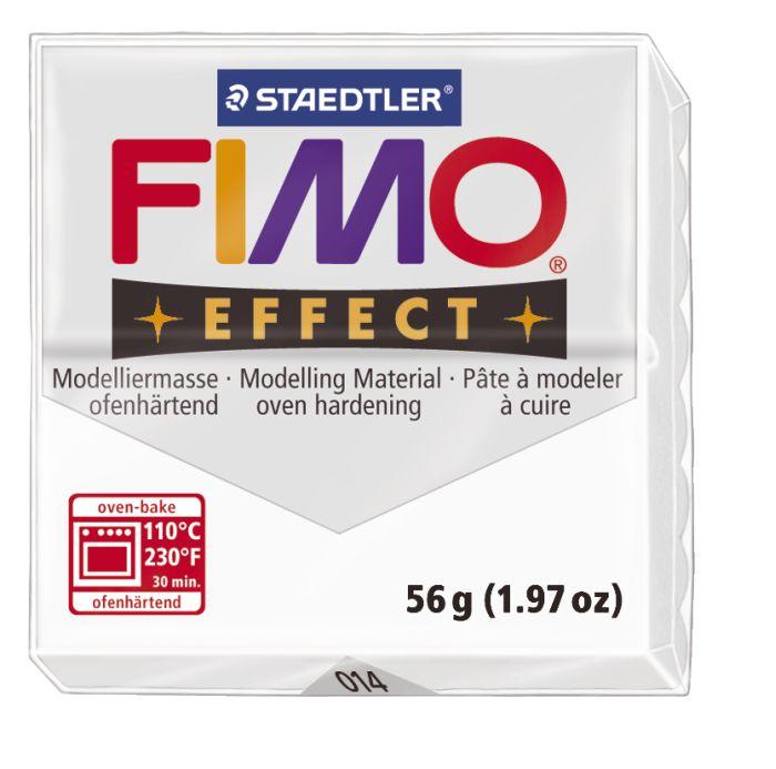 Глина для моделирования Fimo Soft, цвет: прозрачный, 56 г8020-014Мягкая глина на полимерной основе (пластика) Fimo Soft идеально подходит для лепки небольших изделий (украшений, скульптурок, кукол) и для моделирования. Глина обладает отличными пластичными свойствами, хорошо размягчается и лепится, легко смешивается между собой, благодаря чему можно создать огромное количество поделок любых цветов и оттенков. Блок поделен на восемь сегментов, что позволяет легче разделять глину на порции. В домашних условиях готовая поделка выпекается в духовом шкафу при температуре 110°С в течении 15-30 минут (в зависимости от величины изделия). Отвердевшие изделия могут быть раскрашены акриловыми красками, покрыты лаком, склеены друг с другом или с другими материалами.