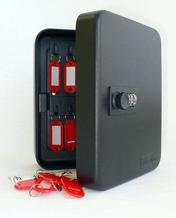 Ящик для 20 ключей Office-Force с кодовым замком, цвет: черный20090Вашему вниманию предлагается специальный ящик для ключей с кодовым замком, который позволяет точно контролировать наличие всех ключей в Вашей компании. Стальной корпус покрашен методом напыления краски в черный цвет. В задней стенке расположены 4 отверстия для крепления бокса к стене. Оснащен прочными металлическими крючками для удобной систематизации ключей. В комплект входят: самоклеящиеся этикетки с номерами, бирки для ключей, крепеж для монтажа бокса на стену. Характеристики: Материал: металл. Размер ящика: 20 см х 16 см х 8 см. Цвет: черный. Размер упаковки: 21 см х 17 см х 9 см. Изготовитель: Китай. Артикул: 20090.