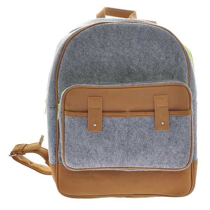 Рюкзак MRKT, цвет: серый. 222192222192Рюкзак MRKT станет эффектным акцентом в вашем образе и превосходно подчеркнет неповторимый стиль. Модель выполнена из фетра - натуральной, высококачественной шерсти, мягкой и приятной на ощупь. Рюкзак состоит из одного вместительного отделения, закрывающегося на застежку-молнию. Внутри - вшитый карман на молнии и накладной карман, закрывающийся при помощи хлястика. На внешней стороне расположен объемный накладной карман на молнии и два кармашка для мелочей. Рюкзак оснащен двумя регулирующимися лямками. Простота, лаконичность и функциональность выделяют эту модель из ряда подобных. Характеристики: Материал: фетр, металл, искусственная кожа. Размер рюкзака: 30 см х 41 см х 12 см. Цвет: серый, коричневый. Артикул: 222192.