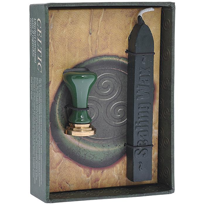 Набор ведьмы Lo Scarabeo Кельтский символ, 2 предмета, цвет: зеленый. WS02WS02Набор ведьмы состоит из свечи черного цвета и металлической 17-миллиметровой печати с кельтским символом. Набор предназначен для запечатывания магической корреспонденции. Одной свечи достаточно для 9 или 10 печатей среднего размера. Подробная инструкция по использованию воска и печати прилагается в комплекте. Печать - это как слово, которое ставится в конце магического действия, и никто кроме ведьмы не сможет его открыть. Используйте ее не только как знак личной силы, но и как знак того, что вы готовы управлять тем процессом, который осуществили.