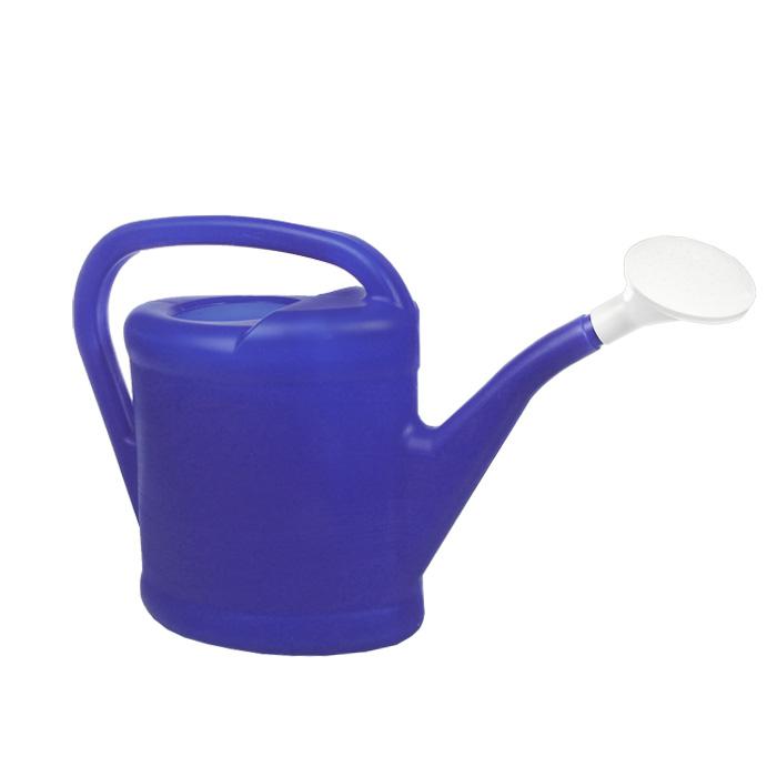 Лейка садовая Калита, цвет: синий, 8 л77378Садовая лейка Калита предназначена для полива насаждений на приусадебном участке. Она выполнена из пластмассы и имеет небольшую массу, что позволяет экономить силы при поливе. Удобство в использовании также обеспечивается за счет эргономичной ручки лейки. Выпуклая насадка позволяет производить равномерный полив, не прибивая растения. Яркий синий цвет позволит легко обнаружить лейку, случайно забытую на грядке.