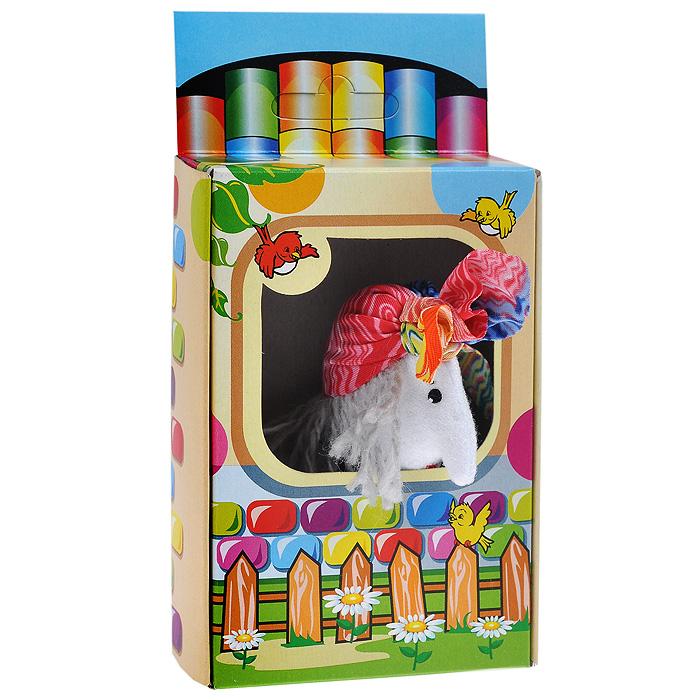 Пальчиковая кукла Баба-Яга017.52Пальчиковая кукла Баба-Яга, выполненная в спокойных тонах, станет великолепным дополнением к вашему пальчиковому театру. Играть и ставить спектакли с пальчиковыми куклами необыкновенно интересно. Управлять такой куклой сможет даже ребенок. Играя, малыш разовьет мелкую моторику рук, а сочиняя сценарии - воображение. Характеристики: Высота куклы: 9 см. Размер упаковки: 8,5 см x 15,5 см x 3 см. УВАЖАЕМЫЕ КЛИЕНТЫ! Обращаем ваше внимание на возможные изменения в дизайне, связанные с ассортиментом продукции: цвет изделия или отдельных деталей может отличаться от представленного на изображении. Поставка осуществляется в зависимости от наличия на складе.