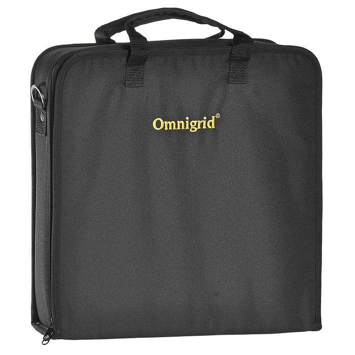 Чемодан для квилтинга Prym, цвет: черный, 34 х 35,5 х 6 см612380Чемодан Prym, выполненный из текстиля черного цвета, предназначен для перевозки различных принадлежностей для квилтинга: блоков-полуфабрикатов размером до 32 см х 32 см, линеек, иголок, ножниц, ножей и т.д. Внутри чемодан имеет: нашивной карман на молнии с тремя прозрачными отсеками, игольницу-подушечку на липучке, 3 нашивных прозрачных кармана, эластичные фиксаторы, лоскут для иголок и булавок, вкладыш-пластину с большим сетчатым карманом. Для надежной фиксации большой отсек оснащен эластичными ремнями. Чемодан закрывается на застежку-молнию. На внешней стороне чемодана расположен прозрачный карман с вкладышем, в котором можно указать имя, адрес и другие данные. Для удобной переноски чемодан оснащен двумя ручками и съемным ремнем, регулирующимся по длине.