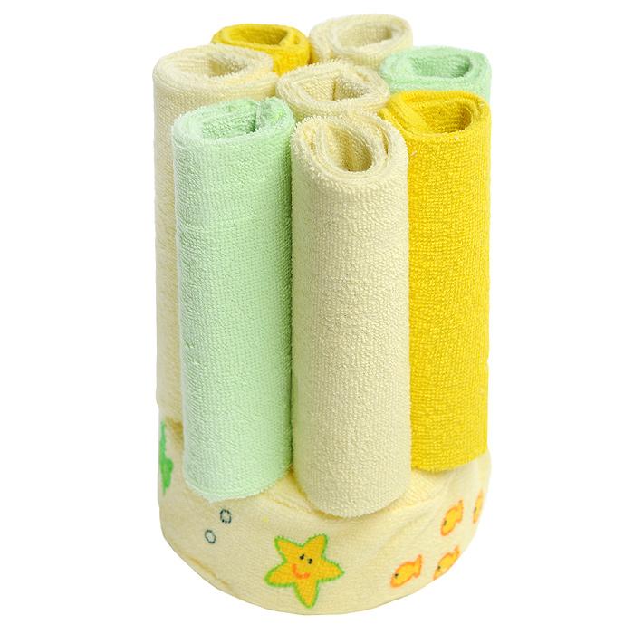 Набор для купания Luvable Friends, цвет: желтый, 9 предметов5810_желтыйНабор для купания Luvable Friends включает в себя губку и восемь салфеток. Салфетки прекрасно подойдут для бережного очищения нежной кожи малыша во время купания. Они выполнены из мягкой махры и прекрасно впитывают влагу. В комплект входят восемь салфеток светло-желтого, лимонного и светло-зеленого цветов. Чехол губки выполнен их нежного хлопка, а наполнитель - из поролона. Мягкая моющая поверхность нежно очистит кожу малыша, а изображения морских звездочек и рыбок, привлекут внимание крохи и создадут подходящее настроение для купания. Набор упакован в пластиковую сумочку, застегивающуюся сверху на застежку-молнию и оснащенную текстильной петелькой.