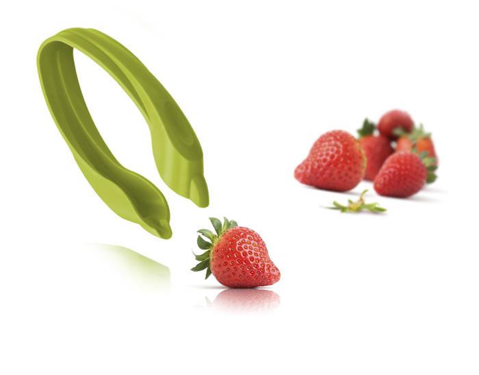 Устройство для удаления листиков у ягод VacuVin Strawberry Huller. 47586604758660Устройство для удаления листиков у ягод VacuVin Strawberry Huller удаляет листики и плодоножки у клубники. Компания Vacu Vin – это производитель и дистрибьютор инновационных приспособлений для сохранения вина и различных продуктов питания, которые могут использоваться как для профессиональных нужд, так и в домашних условиях. Необыкновенная практичность, оригинальность, а также приятное соотношение цены и качества – главные отличительные черты продукции Vacu Vin. Уникальность этих товаров подтверждается тем фактом, что на каждое изделие получен международный патент, который исключает возможность их подделки другими компаниями. Компания Vacu Vin – лауреат многочисленных премий в области дизайна и инноваций. Характеристики: Материал: пластик. Размер устройства: 9 см х 4,5 см х 2 см. Размер упаковки: 16 см х 10 см х 2 см. Цвет: зеленый. Артикул: 4758660.