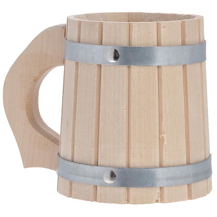 Кружка Доктор баня, для бани и сауны, 0,5 л8310Кружка Доктор баня выполнена из натуральной березы с двумя металлическими обручами и резной ручкой. Она просто незаменима для подачи напитков, приготовления отваров из трав и ароматических масел, также подходит для декора или в качестве сувенира. Интересная штука - баня. Место, где одинаково хорошо и в компании, и в одиночестве. Перекресток, казалось бы, разных направлений - общение и здоровье. Приятное и полезное. И всегда в позитиве. Характеристики: Материал: дерево (береза), металл. Объем: 0,5 л. Диаметр по верхнему краю: 9,5 см. Высота стенок: 13 см. Длина ручки: 5 см. Артикул: 8310.