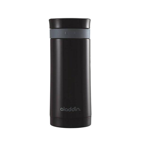 Дорожный термос Aladdin Travel Press, цвет: черный, 0,3 л10-01105-002Дорожный термос Aladdin Travel Press выполнен из нержавеющей стали, пластика и резины с прессом для заваривания кофе грубого помола и листового чая. Он не содержит бисфенол А и удерживает тепло до 6 часов. Диаметр термоса: 7 см. Высота термоса (с учетом крышки): 18 см.