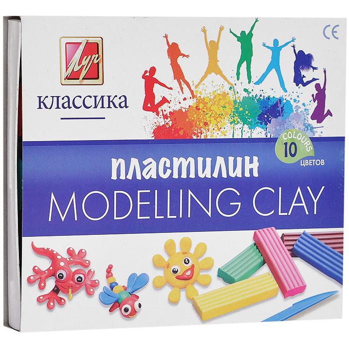 Пластилин Детство, 10 цветов7C 304-08Пластилин Детство, предназначенный для лепки и моделирования, поможет малышу развить творческие способности, воображение и мелкую моторику рук. Пластилин обладает отличными пластичными свойствами, хорошо размягчается и не липнет к рукам. В набор входят пластиковый стек для нарезания пластилина и пластилин десяти цветов: белого, красного, темно-зеленого, фиолетового, черного, желтого, оранжевого, салатового, синего и коричневого.