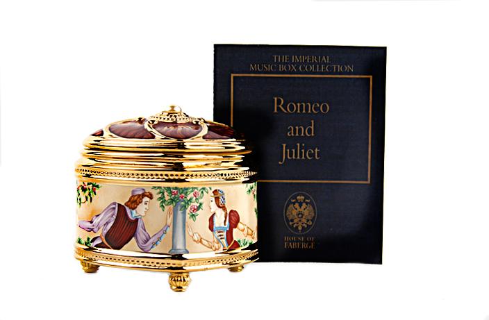 """Музыкальная шкатулка """"Ромео и Джульетта"""". Металл, фарфор, эмаль """"гильош"""", деколь. House of Faberge, Франция, 1990-е гг."""