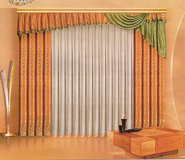 Комплект штор Zlata Korunka, на ленте, цвет: песочный, зеленый, высота 250 смБ074Комплект штор Zlata Korunka, изготовленный из прочного полиэстера, станет великолепным украшением любого окна. В набор входят две шторы песочного цвета, белая вуаль и ламбрекен. Также для более изящного расположения штор на окне прилагаются подхваты. Комплект имеет изысканный внешний вид и обладает яркостью и сочностью цвета. Все предметы комплекта на шторной ленте для собирания в сборки. Жаккард - одна из дорогих тканей. Жаккардовые ткани очень прочны, долговечны и удобны в эксплуатации. Своеобразный рельефный рисунок, который получается в результате сложного плетения на плотной ткани, напоминает своего рода гобелен.