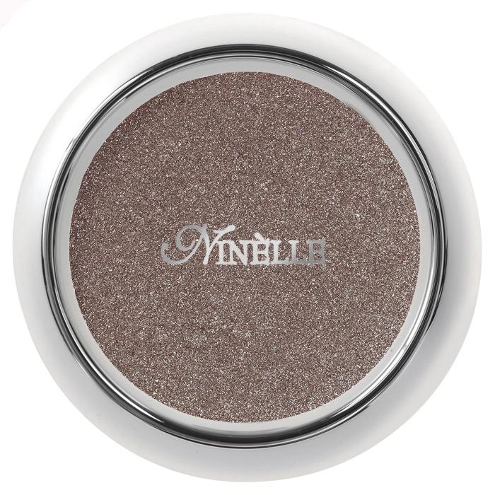 Ninelle Тени для век Sparkling Effect, тон №403, 2,5 г229N10002Тени Ninelle Sparkling Effect богаты перламутром, мягкой и шелковистой, непревзойденной текстурой. Обеспечивают невероятный комфорт при нанесении. Fashion оттенки для создания открытого и загадочно-манящего взгляда. Разные насыщенные переливающиеся оттенки подчеркивают естественную красоту глаз, делая взгляд более выразительным и завораживающим. Палитра теней для век Sparkling Effect подобрана согласно всем требованиям моды и правилам сочетания цветов, чтобы женщина любого типа осеннего, весеннего зимнего или летнего могла подобрать для себя нужный оттенок и эффект. Sparkling Effect (эффект мерцания) достигается специальной технологией прессования, при которой сохраняется 45% насыщенного мерцающего пигмента. Специальная технология прессования делает текстуру более плотной, кремообразной и при этом тонкодисперсной. Исключительно богатые перламутром, с мягкой шелковистой текстурой, тени позволяют наносить на веко ровный, очень тонкий и насыщенный по цвету оттенок. В...