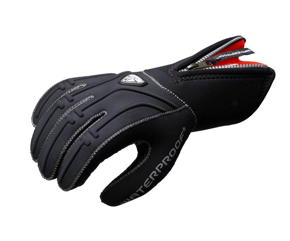 Неопреновые перчатки Waterproof G1, 5-палые, толщина: 3 мм. Размер XLWP 113026Модель Waterproof G1 имеет внутреннее покрытие из неопрена гладкая кожа и длинную молнию, чтобы перчатки было легко надевать. Рельефное полиуретановое покрытие на ладони предотвращает скольжение и обеспечивает защиту материала от истирания. Благодаря специальному захвату на запястье надевать вторую перчатку гораздо проще. Швы прошиты провощенной нейлоновой нитью высшего качества. Место для нанесения имени владельца.
