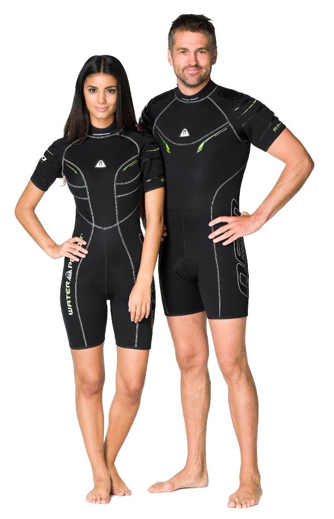 Гидрокостюм Waterproof Shorty W30 женский (M)WP 301223Этот стильный короткий костюм - производная от полного гидрокостюма W30. Эластичный материал и тянущиеся плоские швы обеспечивают максимально возможную свободу движений - то что нужно любителям водных видов спорта. Накладки на плечах не скользят и защищают материал костюма от истирания. Молния с бегунком из нержавеющей стали. Нескользящее покрытие сзади. Крой учитывает особенности женской фигуры.