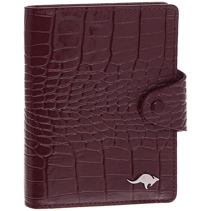 Обложка для автодокументов Cangurione, цвет: бордовый. 3305-012 KR/Burgundy3305-012 KR/BurgundyОбложка для автодокументов Cangurione выполнена из натуральной кожи бордового цвета с декоративным тиснением под крокодила. На внутреннем развороте - 4 кармашка для пластиковых и кредитных карт, потайное отделение, окошко для фотографии и два кармашка для документов. Обложка закрывается при помощи хлястика на кнопку. Обложка не только поможет сохранить внешний вид ваших документов и защитит их от повреждений, но и станет стильным аксессуаром, который подчеркнет ваш неповторимый стиль. Обложка упакована в коробку из плотного картона с логотипом фирмы.