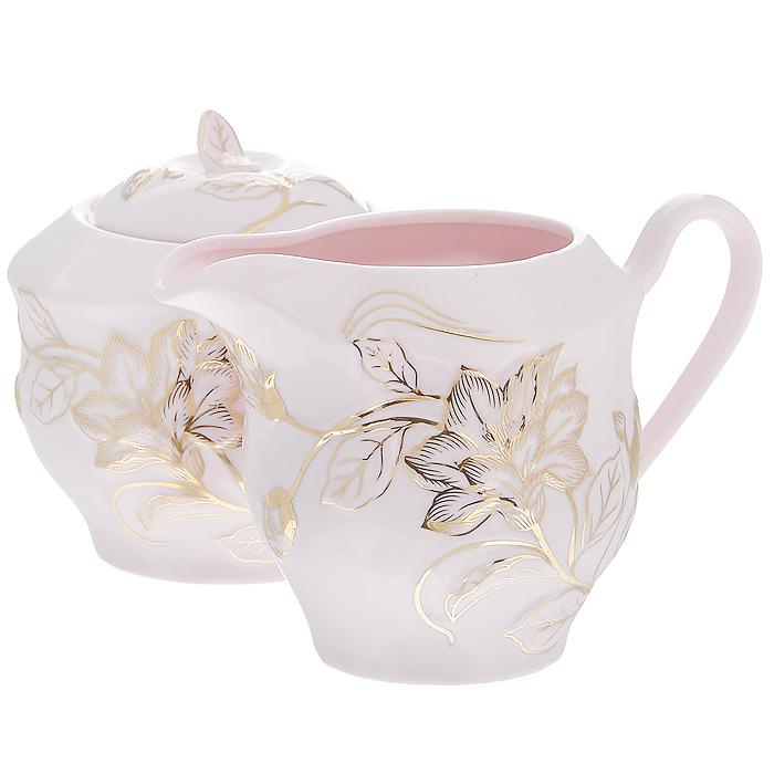 Набор Розовая лиана, цвет: розовый, 2 предмета595-112Набор Розовая лиана состоит из сахарницы и молочника, выполненных из высококачественного фарфора розового цвета. Изделия оформлены изящным рельефным узором золотистого цвета. Такой набор прекрасно подойдет для сервировки стола и станет незаменимым атрибутом чаепития. Набор упакован в подарочную коробку золотистого цвета, задрапированную атласной тканью белого цвета.