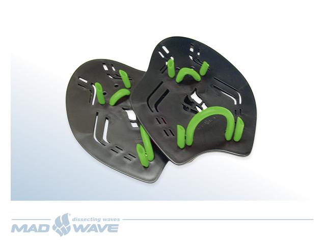 Лопатки для плавания MadWave Extreme, цвет: черный, размер SM0749 01 4 01WЛопатки с эргономичным дизайном, двумя точками крепления на пальцах и запястье. Позволяют улучшить технику гребка. Специальные отверстия для потока воды позволяют ощущать воду. Характеристики: Пол: уисекс. Материал: полипропилен, термопластичная резина. Размер лопатки: 20 см х 14,5 см. Размер упаковки: 28 см х 26 см х 8 см.