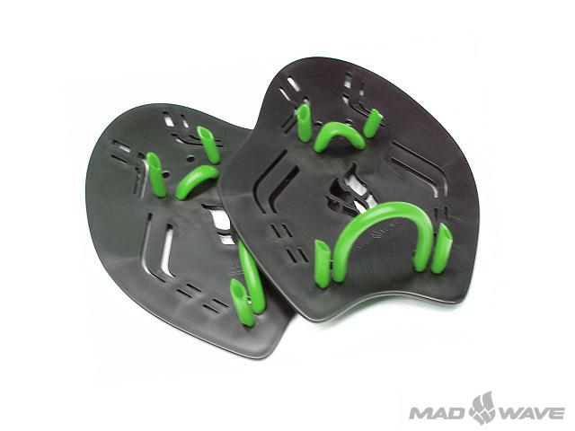Лопатки для плавания MadWave Extreme, цвет: черный, размер LM0749 01 6 01WЛопатки с эргономичным дизайном, двумя точками крепления на пальцах и запястье. Позволяют улучшить технику гребка. Специальные отверстия для потока воды позволяют ощущать воду.