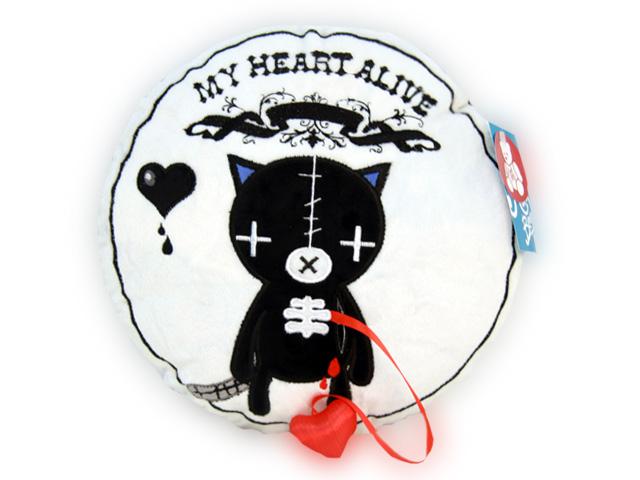 Мягкая игрушка-подушка Magic Bear Toys Кот живое сердце, 31 смGS8611-EОригинальная дизайнерская подушка-игрушка Magic Bear Toys Кот живое сердце выполнена в виде круглой подушки с изображением черного котика с атласным сердцем, вынимающимся из кармашка. С другой стороны подушка декорирована надписью My Heart Alive и изображением сердца. Подушка-игрушка изготовлена из нетоксичного текстильного материала с коротким ворсом, благодаря чему ее будет приятно держать в руках. Такая подушка порадует вас оригинальностью идеи и высоким качеством исполнения и станет прекрасным подарком для детей и взрослых. Декоративная подушка - подарок из разряда практичных. Получив в подарок такую подушку, её можно положить в детскую коляску, автомобиль или украсить ею домашний интерьер.