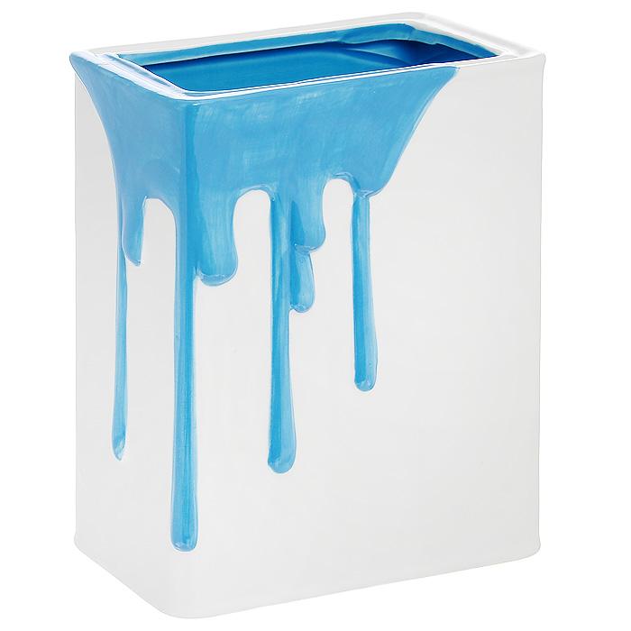 Кашпо Разлитая краска, цвет: синий, белый, 14 см х 8 см х 17 смYX12D044-2А-2Кашпо для цветов Разлитая краска выполнено из керамики в виде банки с разлитой синей краской. Изделие предназначено для установки внутрь цветочных горшков с растениями. Кашпо часто становятся последним штрихом, который совершенно изменяет интерьер помещения или ландшафтный дизайн сада. Благодаря такому кашпо вы сможете украсить вашу комнату, офис, сад и другие места. Не подходит для использования на открытом огне. Не следует подвергать резким перепадам температуры.