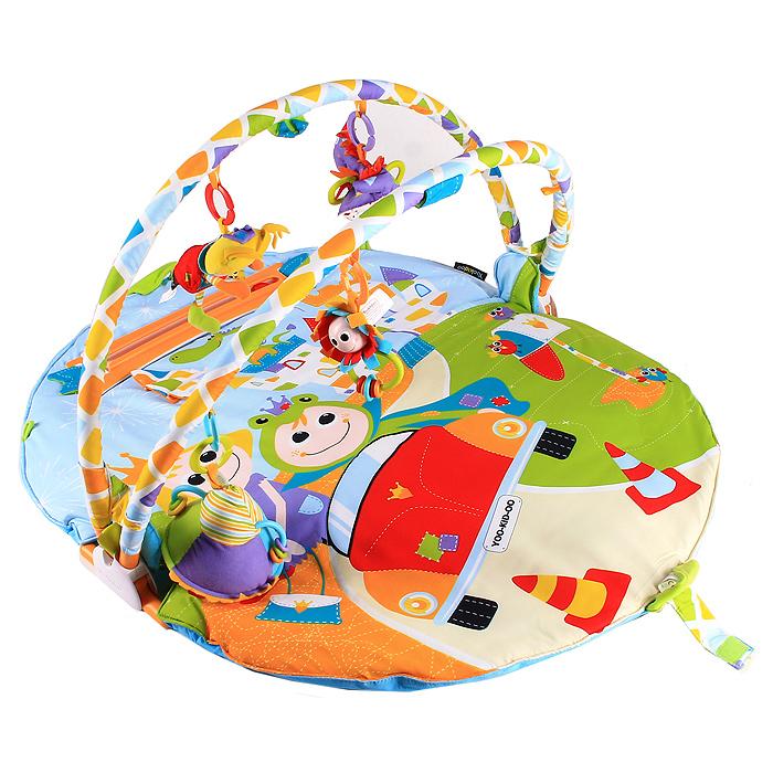 Развивающий коврик Атлет40126Мягкий развивающий коврик Атлет с двумя дугами, станет первой площадкой для игр вашего малыша. Круглый набивной коврик выполнен из необычайно мягкого и приятного на ощупь материала ярких цветов и оформлен изображениями принца и принцессы, замка и дракончика. В комплект с ковриком входит музыкальная машинка, которая движется по специальной дорожке. Машинка воспроизводит музыку в двух режимах: игровом и успокаивающем. На машинку можно прикрепить куколку в виде принца-лягушонка, принцессы или дракончика. Внутри куколок спрятан шуршащий элемент. В головах принца и принцессы спрятаны сферы, гремящие при тряске. На крыльях дракончика расположены два мягких прорезывателя, которые помогут малышу снять неприятные ощущения при прорезывании зубов. К дугам коврика крепятся погремушка и большая мягкая пирамидка с безопасным зеркальцем в основании. По бокам пирамидки расположены пластиковые дуги, по которым передвигаются маленькие разноцветные колечки. Погремушка выполнена в виде забавного...