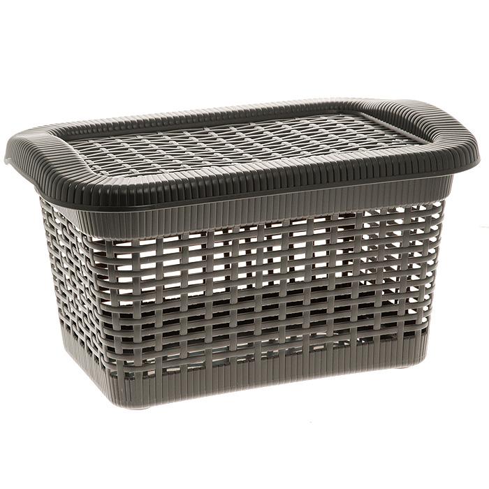 Корзина Rattan с закрепленной крышкой, цвет: темно-коричневый, 40 л2170_ темно-коричневыйПрямоугольная корзина Rattan изготовлена из прочного пластика темно-коричневого цвета. Она предназначена для хранения мелочей в ванной, на кухне, даче или гараже. Позволяет хранить мелкие вещи, исключая возможность их потери. Корзина с отверстиями на стенках и крышке в виде плетения и со сплошным дном. Корзина имеет плотно закрывающуюся закрепленную крышку. Сбоку имеются две ручки для удобной переноски.