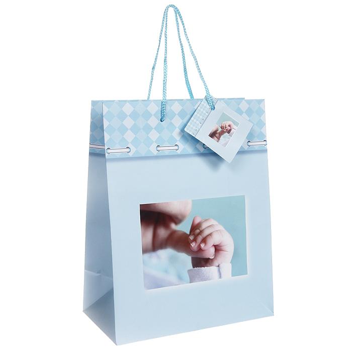 Пакет подарочный Младенец, 17,5 см х 22,5 см х 10 см. Ф21-1459Ф21-1459Бумажный подарочный пакет Младенец станет незаменимым дополнением к выбранному подарку. Пакет оформлен изображением ручки малыша. Для удобной переноски на пакете имеются две ручки из шнурков. Подарок, преподнесенный в оригинальной упаковке, всегда будет самым эффектным и запоминающимся. Окружите близких людей вниманием и заботой, вручив презент в нарядном, праздничном оформлении.