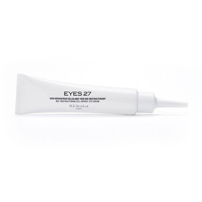 Cosmetics 27 Био-восстанавливающий крем Eyes 27 для области вокруг глаз, 15 млCM27005Крем Eyes 27 – это корректор для области вокруг глаз, борющийся с признаками старения. Его эффективность и оригинальность заключаются в запатентованном комплексе MA2, комбинации 3 экстрактов центеллы азиатской натурального происхождения. Крем предназначен для ежедневного ухода за зрелой, сухой, чувствительной и аллергенной кожей. Подходит для применения до или после эстетического вмешательства. Крем восстанавливает, перестраивает ткани кожи, борется с морщинами. Комплекс для борьбы со свободными радикалами противостоит естественному износу молекул ДНК и старению кожи. Уменьшает объем мешков под глазами и осветляет цвет кругов под ними. Тонизирует и придает коже сияние. Крем также подходит для ухода за контуром губ. Он восстанавливает, тонизирует и увлажняет этот особо чувствительный участок, смягчает морщины. Крем подходит для всех типов кожи, особенно рекомендован для обезвоженной, сухой, уставшей и чувствительной кожи. Не содержит парабенов, феноксиэтанола, производных...
