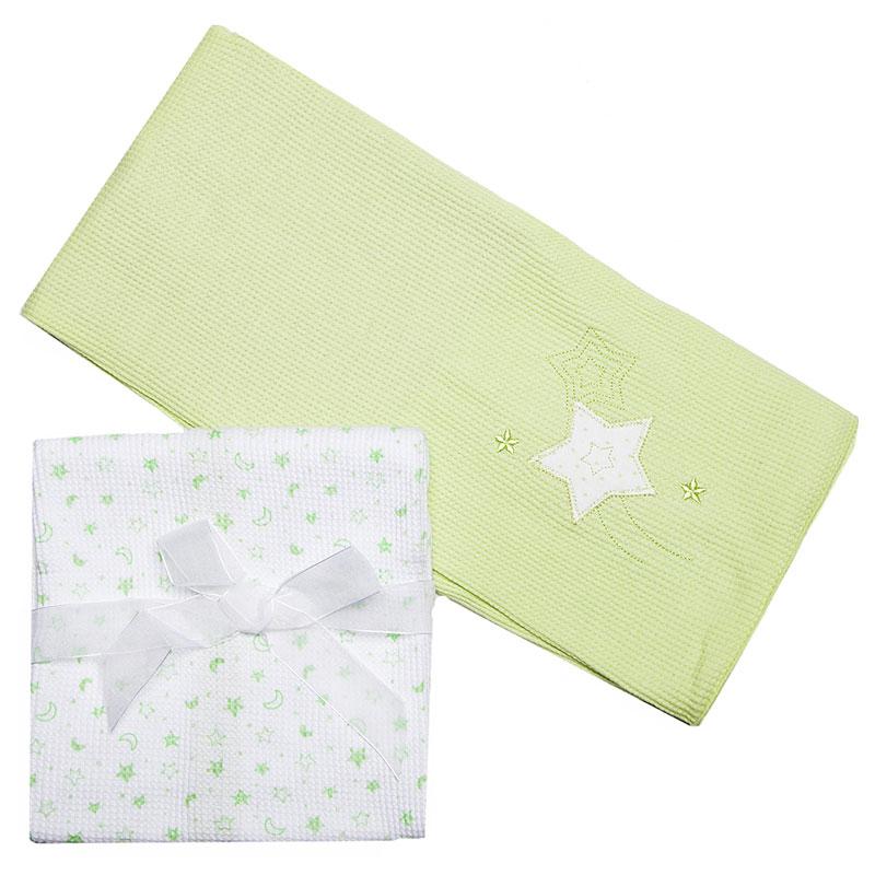 Комплект трикотажных пеленок Spasilk Звездочка, цвет: зеленый, 76 см х 76 см, 2 штRB TH 05Трикотажные пеленки Spasilk Звездочка подходят для пеленания ребенка с самого рождения. Они выполнены из термо-хлопка, натуральные волокна которого позволяют коже малыша дышать, а также имеют согревающий эффект. Такая ткань гипоаллергенна, обладает повышенными теплоизоляционными свойствами и не теряет формы после стирки. Пеленку также можно использовать как легкое одеяло, простынку, полотенце после купания, солнечный козырек, накидку для кормления грудью или как согревающий компресс при коликах. В комплект входят две пеленки: светло-зеленого цвета с вышитой аппликацией в виде звездочки и белого цвета с изображением зеленых звезд и месяцев. Характеристики: Материал: 100% хлопок. Размер пеленки: 76 см х 76 см. Изготовитель: Китай.