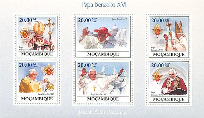 Малый лист Бенедикт XVI. Мозамбик. 2009 годL2070 EМалый лист Бенедикт XVI. Мозамбик. 2009 год. Размер марок 4 х 3,7 см. Размер блока 17,2 х 10,2 см. Сохранность хорошая.
