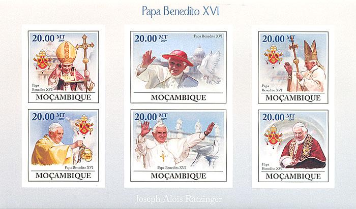 Малый лист без зубцов Бенедикт XVI. Мозамбик. 2009 годL2070 EМалый лист без зубцов Бенедикт XVI. Мозамбик. 2009 год. Размер 17,8 х 10,4 см. Сохранность хорошая.