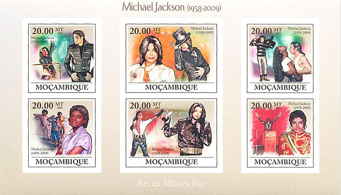 Малый лист без зубцов Майкл Джексон. Мозамбик. 2009 годL2070 EМалый лист без зубцов Майкл Джексон. Мозамбик. 2009 год. Размер марок 3,5 х 3,5 см. Размер блока 17,6 х 10,4 см. Сохранность хорошая.