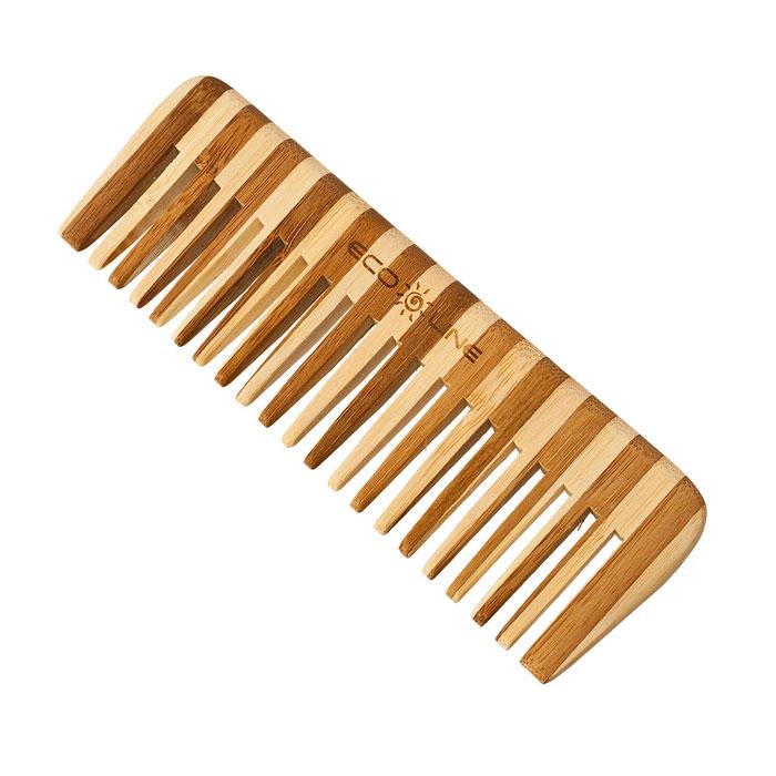 Solinberg Гребень для волос Eco Line, 15 см350-B044Редкозубый гребень для волос Solinberg Eco line изготовлен из дерева. Расчески для волос из дерева и бамбука более прочные, легкие и долговечные. Они прекрасно подходят как для профессионального, так и для домашнего применения. Дерево является самым экологическим чистым материалом. Натуральные изделия обладают антибактериальным эффектом. Характеристики: Материал: 15 см. Размер гребня: 15 см х 5 см х 0,8 см. Артикул: 350-B044. Производитель: КНР. Товар сертифицирован.